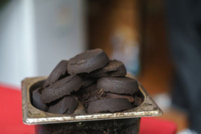 17 Έξυπνοι Τρόποι να Χρήσιμοποιήσετε το Κατακάθι του Καφέ σας!