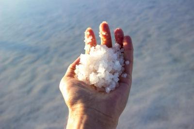 Αλάτι της Νεκράς Θάλασσας: Μάθετε τα 7 Εκπληκτικά του Οφέλη